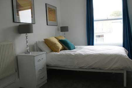 Double Bedroom in Central Southsea