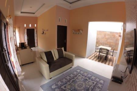 Moccario Home - Kecamatan Depok - Guesthouse