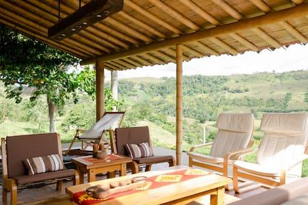 Preciosa cabaña Hacienda ganadera - Kulübe