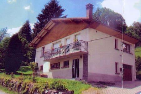 Maison type chalet sur les hauteurs - Ev