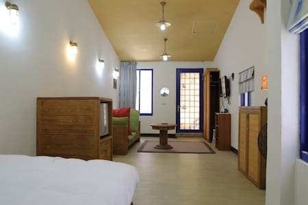 Cozy Cottage Near MRT YanchengPu - Yancheng District - Casa
