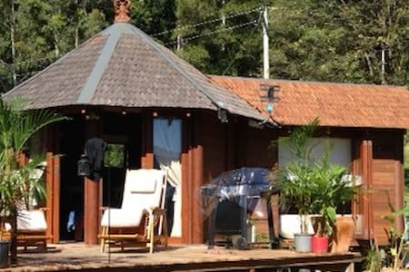 TRADITIONAL BALI STYLE TIMBER VILLA - Villa