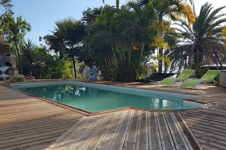 bungalow meublée accès piscine - Lejlighed