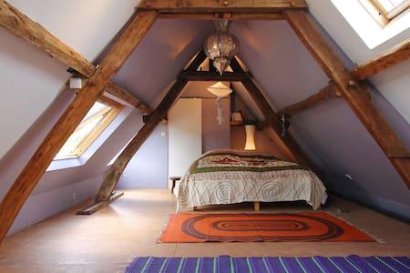 Bright, zen, romantic room  - Hus