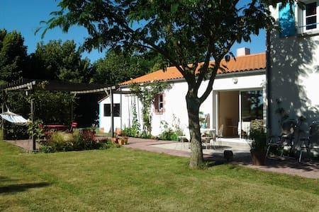 Chambres proche Puy du Fou - Saint-Fulgent - Rumah