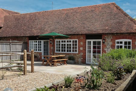 Pear Store cottage Nr Goodwood - Chichester - House