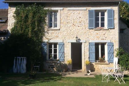 Jolie maison d artiste en normandie - Casa