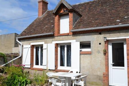 Maison 3 pers calme proche Loire - House