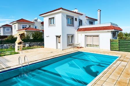 KB437 3 Bdrmd Villa w/Private Pool - Karşıyaka - 別荘