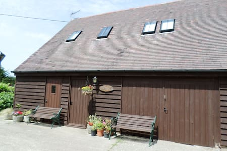 Old Barn Cottage - ROMNEY MARSH