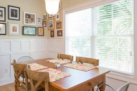 Lowcountry Cottage: Master Suite - Murrells Inlet - Haus