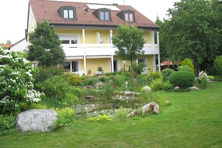 "Cosy days in ""Poppy"" near Munich - Neufahrn bei Freising - Apartment"