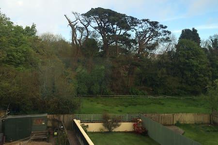 Meadowbrook Terrace - Modbury - House