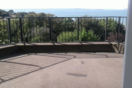 The Balcony Apartment at Bryn Hedd - Lejlighed