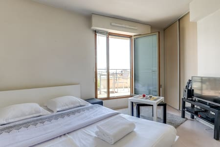 Studio with terrace view Eiffel Tower/La Defense - Wohnung