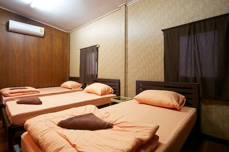 This newly-opened hostel is perfectly located in the very centre of Bangkok. Locate in Quiet area within 10 mins walking distance to Kao San Road  is close to many tourist attractions, including the Grand Palace, Khao San Road, Wat Arun and Wat Pho