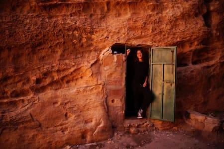 Petra Cave - Wadi Musa - 洞穴