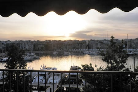 Central Spacious Seaside Apartment - Pireas - Appartement