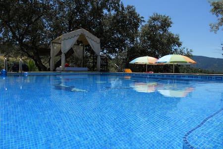 Casa de campo con piscina privada cerca de Ronda. - Alpandeire