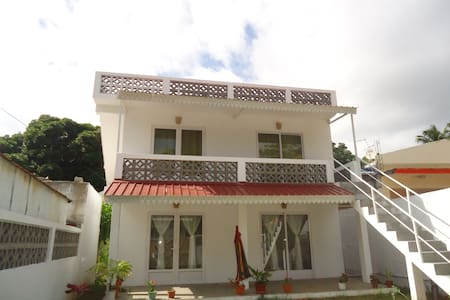 Ground floor flat for 5 people - Port Mathurin - Apartamento