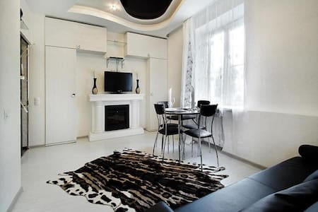 Апартаменты на Челюскинцев - Wohnung