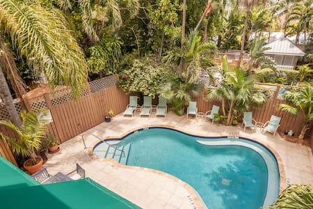 Curry House Bed & Breakfast Room #8 - Key West - Bed & Breakfast