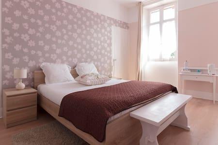 chambre terrasse la maison de sabine - Domek gościnny