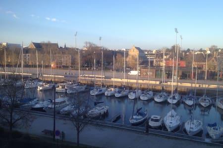 Chambre 12m2 vue sur port de Vannes - Vannes - Departamento