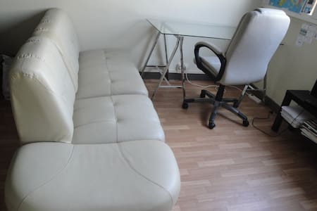 Couch in apartment - Huoneisto