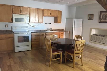 2 bedroom town house - Franklin