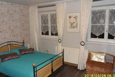 Affordable apartment close to town! - Appartement