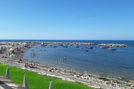 Appartamento sul mare tra Cefalù e Palermo - Trabia - Apartment