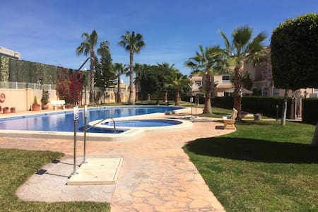 3 bed Quad house Cabo Roig - Costa Blanca.  Wifi. - La Regia - Bungalow