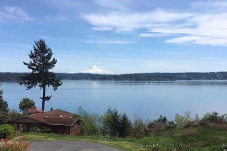 An A frame house w/ views & beach! - Gig Harbor - Ev