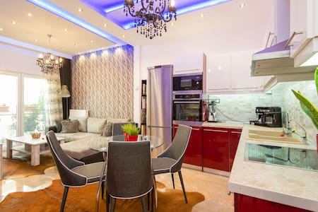 INCREDIBLE LUXURY APT CITY CENTER - Wohnung