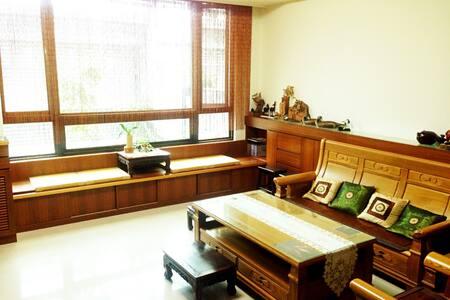 Zen House 禪居  近臺中高鐵站,至中部各大景點交通便利~ - 臺中市 - Bed & Breakfast