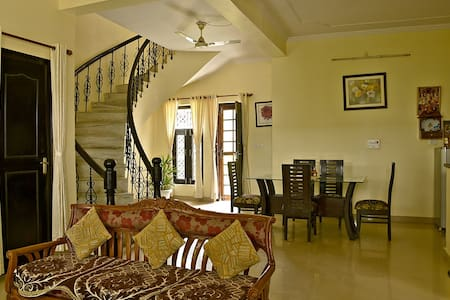Leena Holiday Homez - Amritpur - Nainital