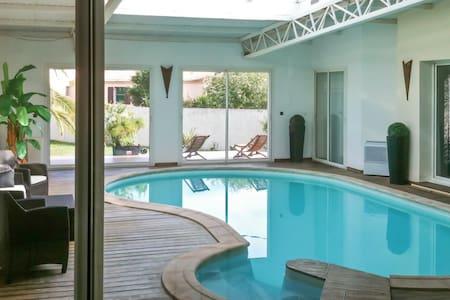 Spacious house w/ a swimming pool - Ghisonaccia