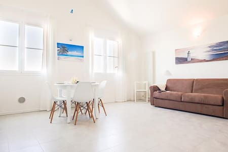 Cosy studio with parking and swimming pool - Wohnung