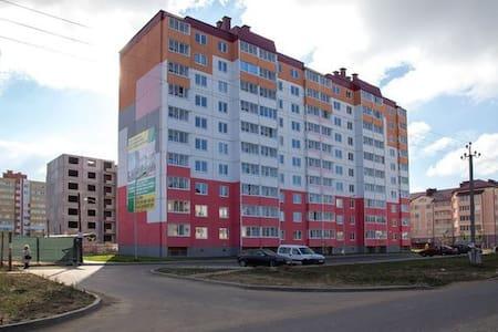 Место в комнате, час до центра Минска - Apartment