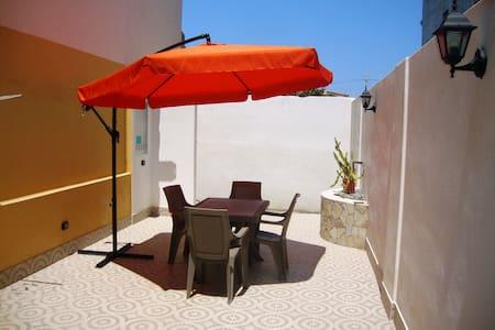 Casa vacanze Spadafora - Casa a schiera