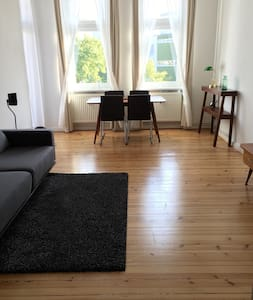 Cozy and friendly apartment in a great location - Berlin - Lejlighed