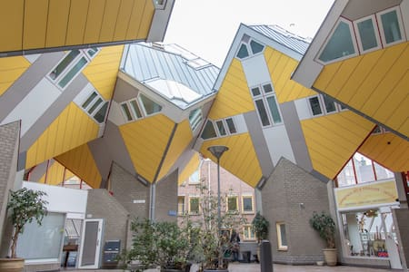 Design Cube House in City-Centre - Rotterdam - Huis