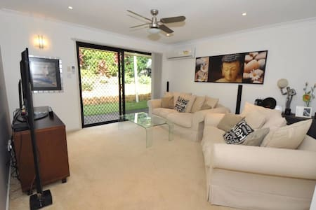 2 Queen bed, pool, BBQ, Modern home - Talo