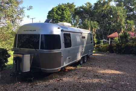 Airstream in the jungle - San Antonio - Camping-car/caravane