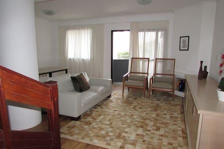 EXCELENTE APTO PRÓXIMO CENTRO, MERCADO E SHOPPING - Curitiba - Appartamento