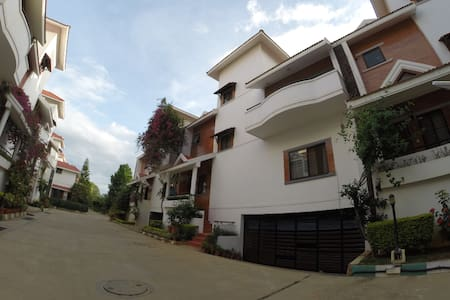 3BHK villa in serene layout with all ameneites - Villa