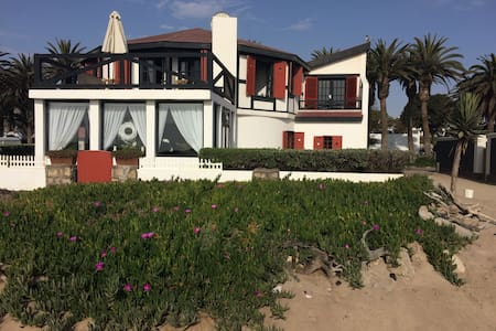 Historic Beach House Apartment. - Swakopmund - Haus