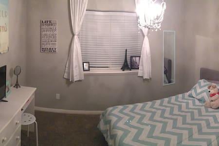 Welcome home! 2 bedrms - Eagle Mountain - Condominio