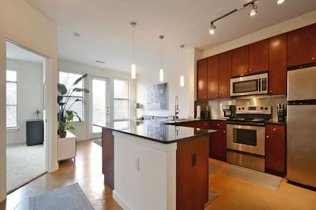 Downtown Upgraded Unit in SOCO!